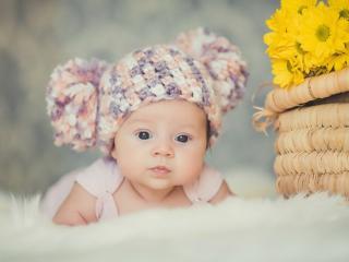 обои Красивый малыш в вязаной шапке фото