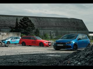 обои Синий Volkswagen на свалке фото