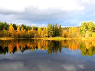 обои Осеннее зеркало озера фото