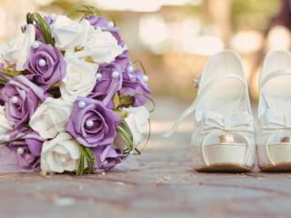 обои Невестины туфли и букетик фото