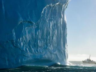 обои Айсберг у восточного побережья острова Южная Георгия фото