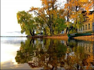 обои Осеннее утро на берегу озера фото