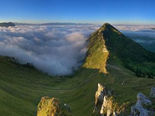 обои Альпы в облаках фото