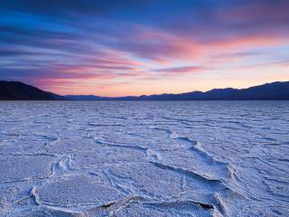 обои Остатки соленого озера фото