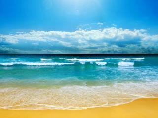 обои Прибой наступает на золотой песок фото