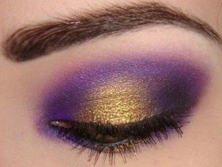 обои Макияж глаза - Сиреневые и золотые, двухцветные тени фото