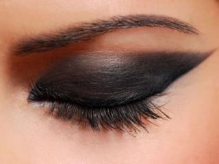 обои Макияж глаза - Темные тени фото