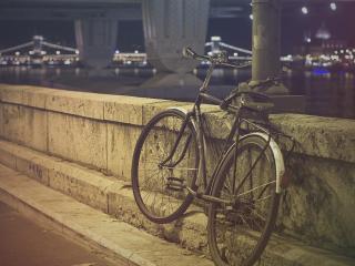 обои Одинокий велосипед фото