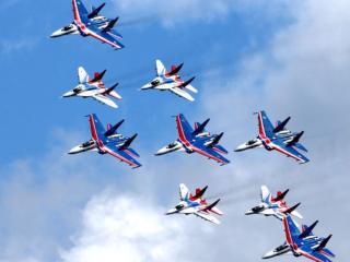 обои В небе русские лётчики фото