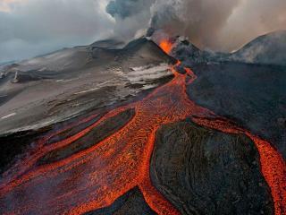 обои Извержение вулкана Плоский Толбачик фото