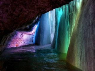 обои Цветной замерзший водопад фото