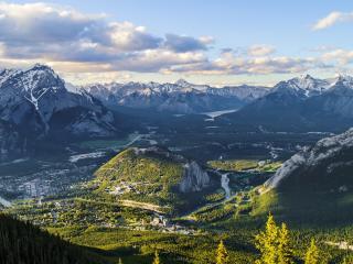 обои Живописная долина в горной чаше фото
