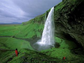 обои Водопад Селйяландсфосс в Исландии фото