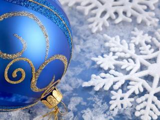 обои Синий шарик и снежинки фото