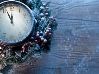 обои для рабочего стола: Заснеженные новогодние часы