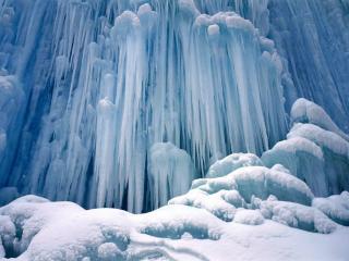 обои Голубой цвет замёрзшего водопада фото