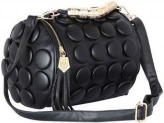 обои Чёрная дамская сумочка фото