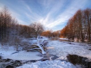 обои Поздняя осень на реке - ледостав фото