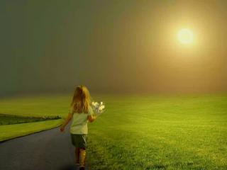 обои Девочка с букетом в поле фото