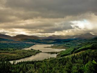 обои Озеро loch garry в Шотландии фото