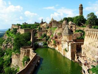 обои Читторгарх (Chittorgarh) — небольшой город в Индии фото
