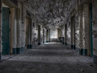 обои Тюремный коридор фото