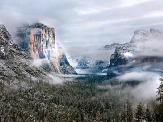 обои Заснеженные горы фото