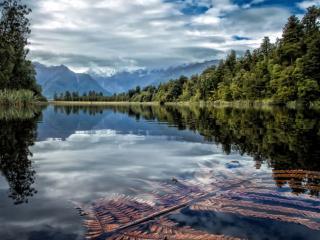 обои Горное озеро в Леднике Фокса. Новая Зеландия фото