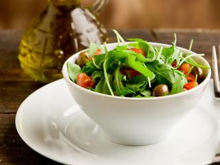 обои Полезный овощной салат фото