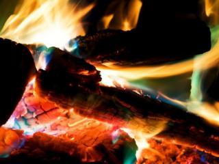 обои для рабочего стола: Огонь костра