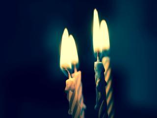 обои Зажженные праздничные свечи фото