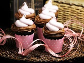 обои Пирожные в розовом оформлении фото