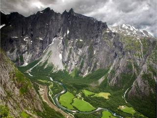 обои Стена Троллей. Район Рамсдаль,   Норвегия фото