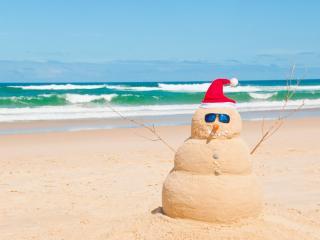 обои Пляж,   снеговик из песка,   креатив фото