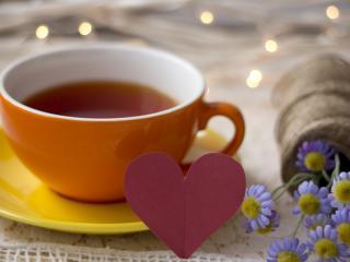 обои Кружка чая и васильки фото