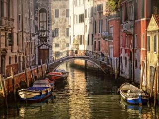 обои Спокойный канал в Венеции фото