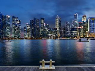 обои Ночной залив у подножия небоскребов фото