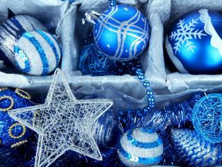 обои Голубые елочные шары в коробке фото