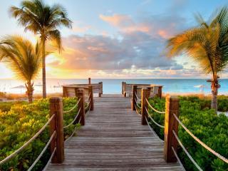 обои Деревянный мостик в океан фото