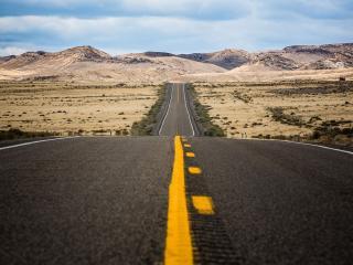 обои Прямая дорога в прериях фото