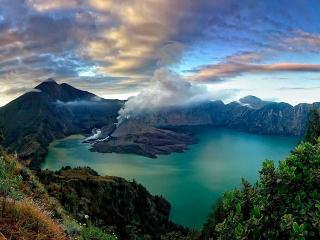 обои Красивый вулкан в Индонезии фото