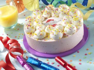 обои Праздничный украшенный торт фото