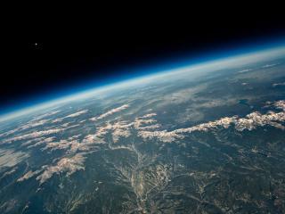 обои Снежные вершины в штате Колорадо. Вид из космоса фото