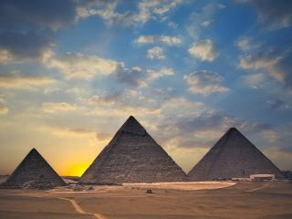 обои для рабочего стола: Пирамиды встречают восход