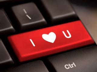 обои Признание в любви на клавиатуре фото