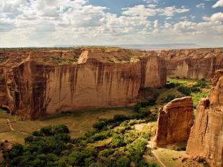 обои для рабочего стола: Живописный каньон с высоты полета