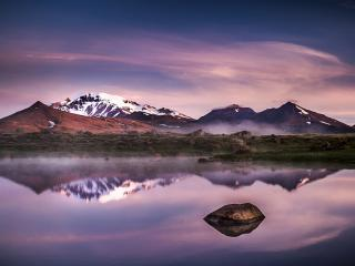 обои Зеркальное озеро у снежных гор фото