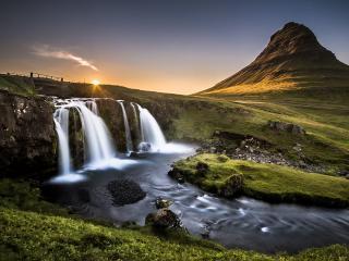 обои Молочный исток реки фото
