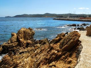 обои Залив острых скал фото