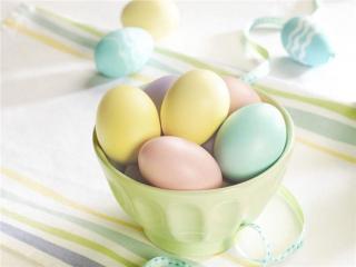 обои Пасхальные крашеные яйца фото
